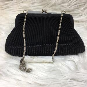 Valerie Stevens Bags - NWOT Valerie Stevens Black Snap Evening Bag